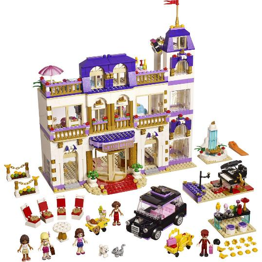LEGO Friends Heartlake grand Hotel - 41101 - set contents